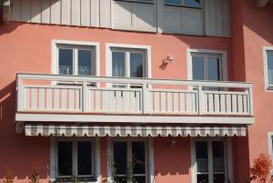 6.21 Balkon Holz